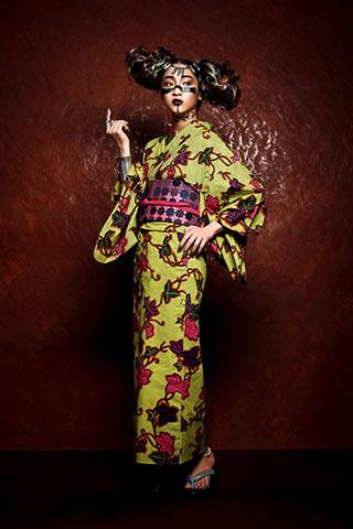 アフリカ系フランス人アーティストが提案するブランド。プリミティブな模様や鮮やかな色がモダンでアート。洗練された完成度の高いきものになりました。