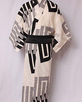 古典文様を反物巾一杯に配し、大胆でモダンにしたシリーズ。源氏香とは香道から生まれた古典文様で「源氏物語」のそれぞれ帖の名があります。