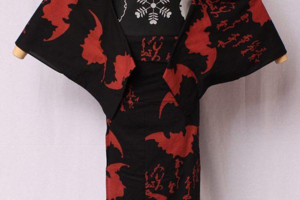 画家金子國義デザイン「Kuniyoshi KANEKO」の代表作。2012年デビュー以来の定番品。中村勘三郎さん、勘九郎さん、hydeさん等、愛用される柄。