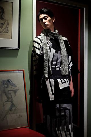画家金子國義デザイン「Kuniyoshi KANEKO」。2012年デビュー以来、アリスや蝙蝠の名作を作り続ける江戸の粋、エスプリを感じるデザインの数々。