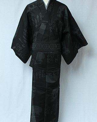 画家金子國義デザイン「Kuniyoshi KANEKO」の代表作のひとつ。古典かつロックテイストな定番品。中村勘九郎さん、hydeさん等、愛用される柄です。