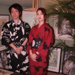 レンタル着物京呉館で着物をレンタルしてくださったカップルのお客様。お二人で蝙蝠柄のお着物で柄を合わせられました。